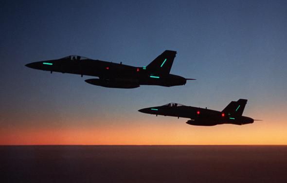 זוג F18