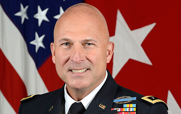 """ג'ו אנדרסון נשיא ומנכ""""ל החברה הבת של רפאל בעת ששימש כסגן הרמטכ""""ל האמריקאי, צילום: צבא ארה""""ב"""