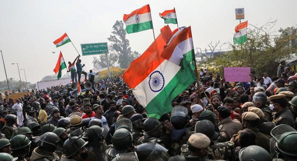 הפגנה של חקלאים בהודו, צילום: רויטרס