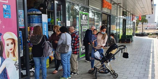 ביג לא מחכה לאישור רשמי: עשרות חנויות נפתחו הבוקר במרכזי הקניות