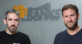 TipRanks co-founders Uri Gruenbaum (right) and Gilad Gat. Photo: Alon Shir