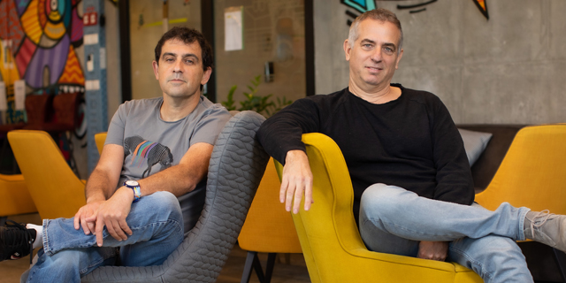 Personetics co-founders David Sosna (left) and David Govrin. Photo: Arik Sultan