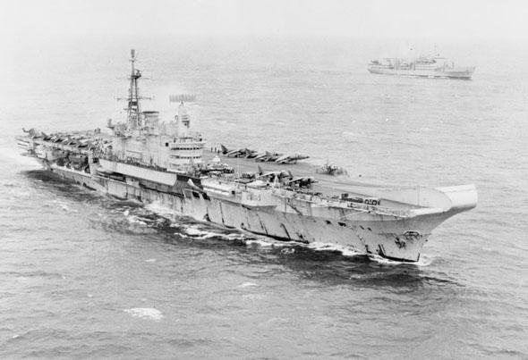 הצי הבריטי בדרכו לפוקלנד, צילום: IWM