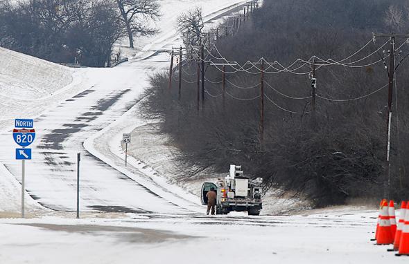 """סופת השלג ב-Fort Worth טקסס, ארה""""ב"""
