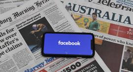 אפליקציית פייסבוק ועיתונים אוסטרליים, צילום: אי פי איי