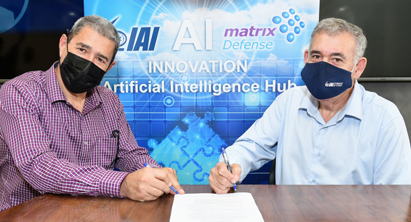 IAI's President & CEO Boaz Levy with Matrix CEO Moti Gutman, at the agreement signing. Photo: Israel Hadari