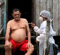 מחוסן בכפר בברזיל , צילום: רויטרס