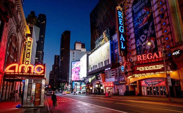 בתי קולנוע ברחוב 42 בניו יורק, צילום: בלומברג