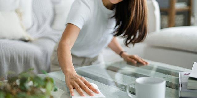 תקדים: גבר חויב לשלם פיצוי לאשתו על עבודות הבית שעשתה