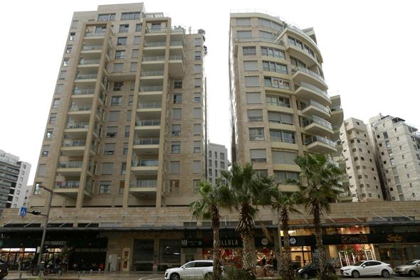 הבניין ברחוב איינשטיין 10 בתל אביב. טענות להכשרה בדיעבד