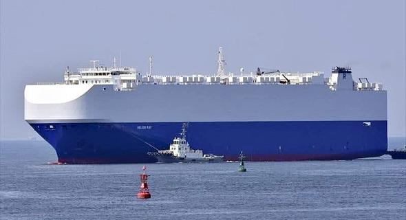 הספינה הליוס ריי של רמי אונגר שנפגעה בפיצוץ במפרץ עומאן, צילום: Katsumi Yamamoto, MarineTraffic.com
