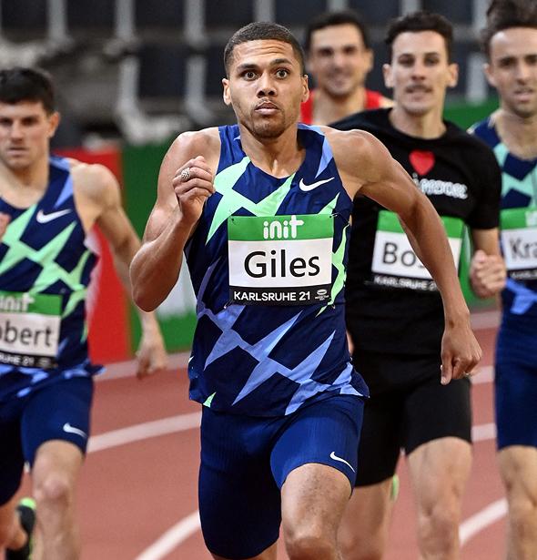 הרץ האתלטי אליוט ג'יילס עם נעלי נייקי זום ויקטורי Nike Air Zoom Victoryy פנאי, צילום: איי אף פי