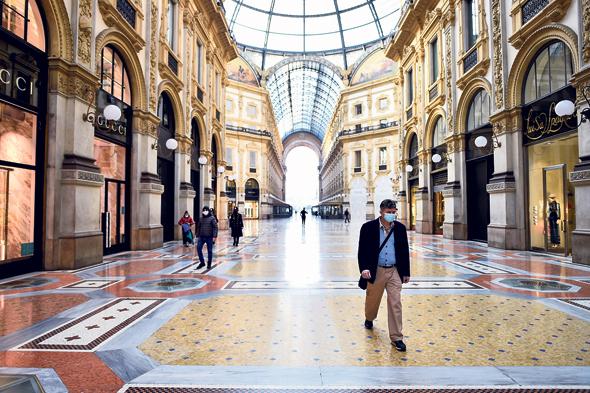 מרכז הקניות גלריה ויטוריו עמנואל השני במילאנו, בשבוע שעבר