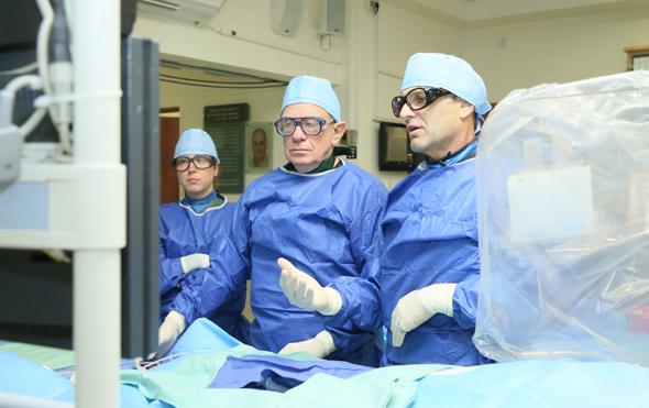 Professor Rafi Beyer in the lab. Photo: Pioter Fliter