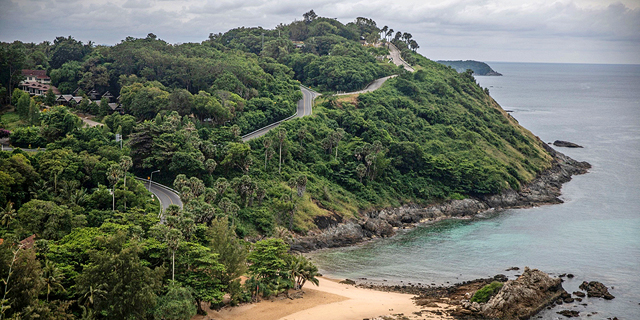 תאילנד תאפשר לתיירים בידוד על סיפון יאכטות או במגרשי גולף