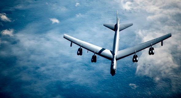 טס בגובה. B52, צילום: USAF