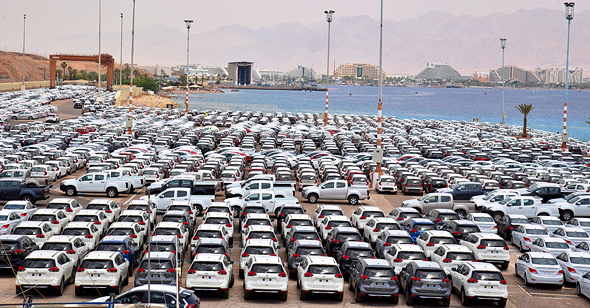 מכוניות מיובאות בנמל אילת. מסירות הרכב בינואר שברו שיא של כל הזמנים