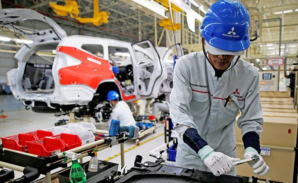 מפעל מיצובישי. המחסור ברכיבים אצל יצרנים רבים יביא לעיכוב במסירות