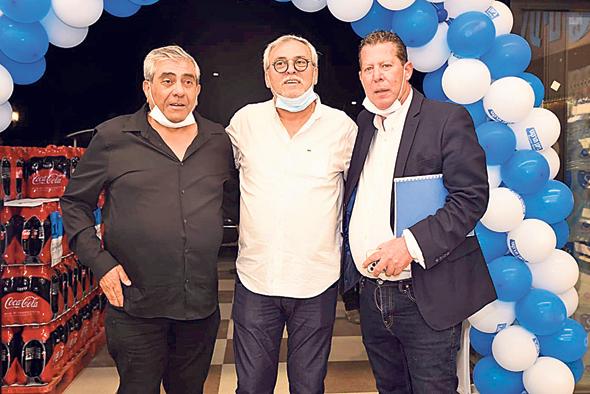"""מנכ""""ל יינות ביתן מיכאל לובושיץ, נחום ביתן ויגאל דמרי, צילום: מיכאל אביטבול"""