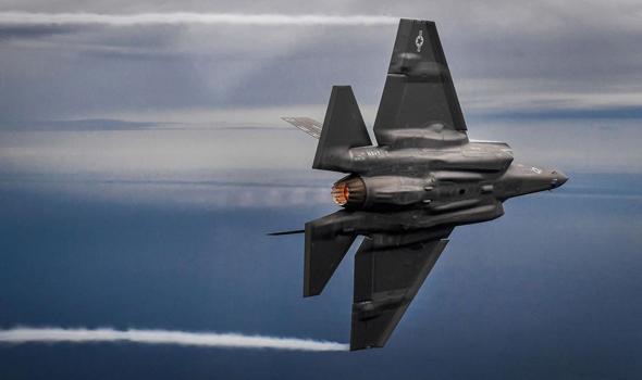 מתמרן כמו בוס. F35 במפגן אווירי, צילום: USAF