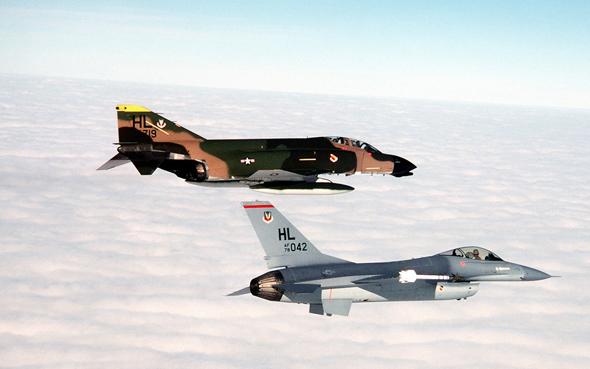 F16 ופאנטום, בתמונה מאמצע שנות השמונים, צילום: USAF