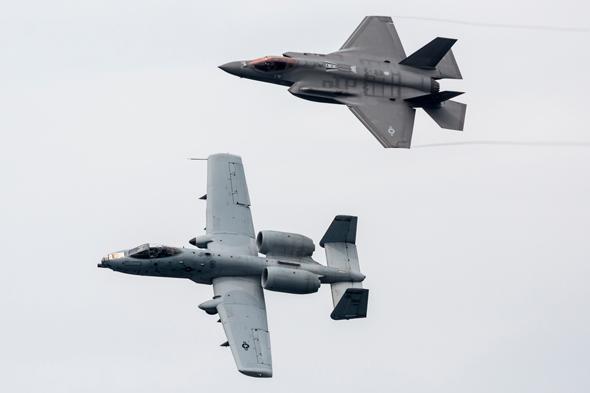 להחליף אותו? אין מצב; F35 ומטוס A10, צילום: שאטרסטוק