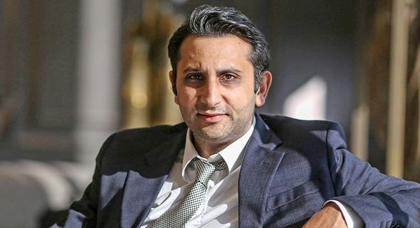 """אדאר פונאוואלה, מנכ""""ל החברה ההודית Serum Institute, צילום: בלומברג"""