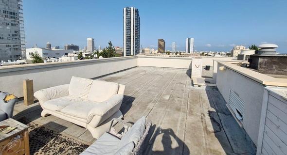 הגג בבניין שבו אהוד אולמרט ברחוב מטמון כהן תל אביב