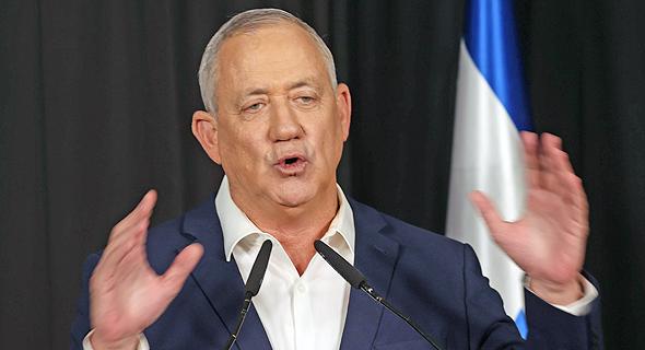"""בני גנץ יו""""ר כחול לבן שר הביטחון מסיבת עיתונאים 31.3.21, צילום: יריב כץ"""
