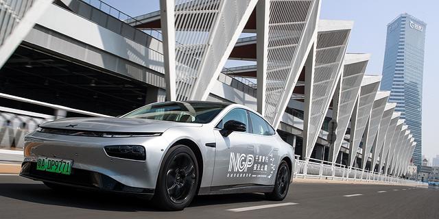 המתחרה הסינית של טסלה בוחנת כניסה לייצור שבבים לרכב אוטונומי
