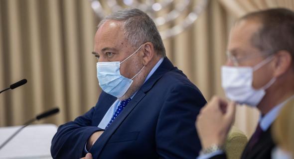 אביגדור ליברמן ממפלגת ישראל ביתנו בבית הנשיא, צילום: יונתן זינדל
