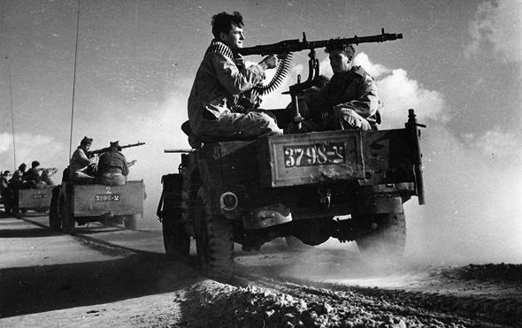 """כוחות צה""""ל שועטים לעבר גבול הדרום במלחמת העצמאות"""