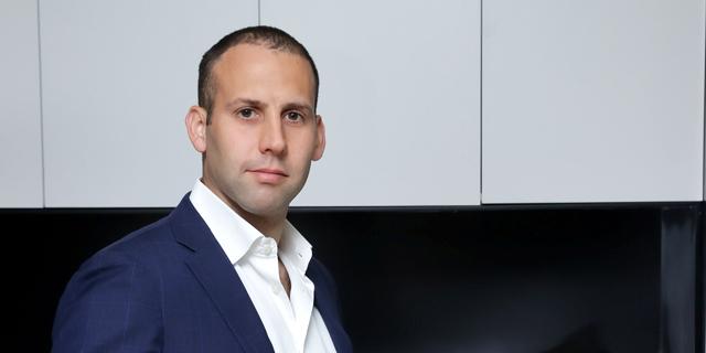איך מגיעים לנהל את קבוצת התקשורת הגדולה בישראל בגיל 36