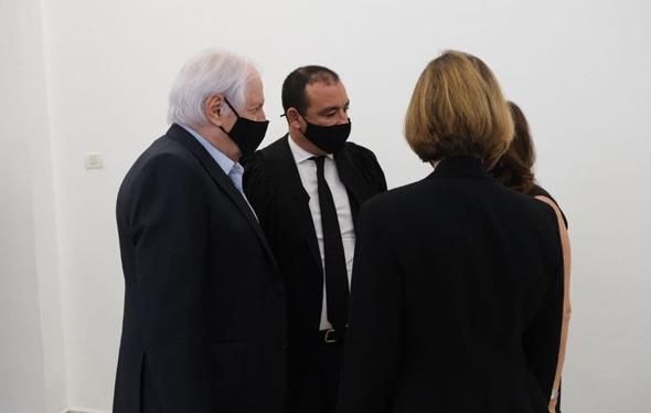 שאול אלוביץ' (משמאל), היום בבית המשפט