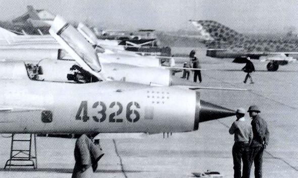 המטוס של ון קוק. טייס מצטיין, אך מיג אחר לגמרי