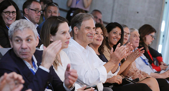 Stibbe (center) and his wife Ora (right) attend the official announcement on Wednesday. Photo: PR