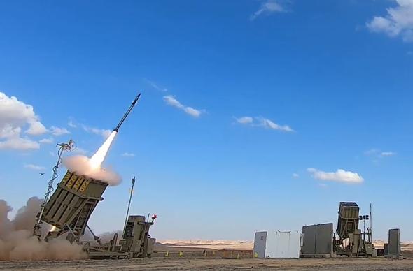 """שיגור טילי טמי""""ר במסגרת ניסוי היירוט, צילום: משרד הביטחון"""
