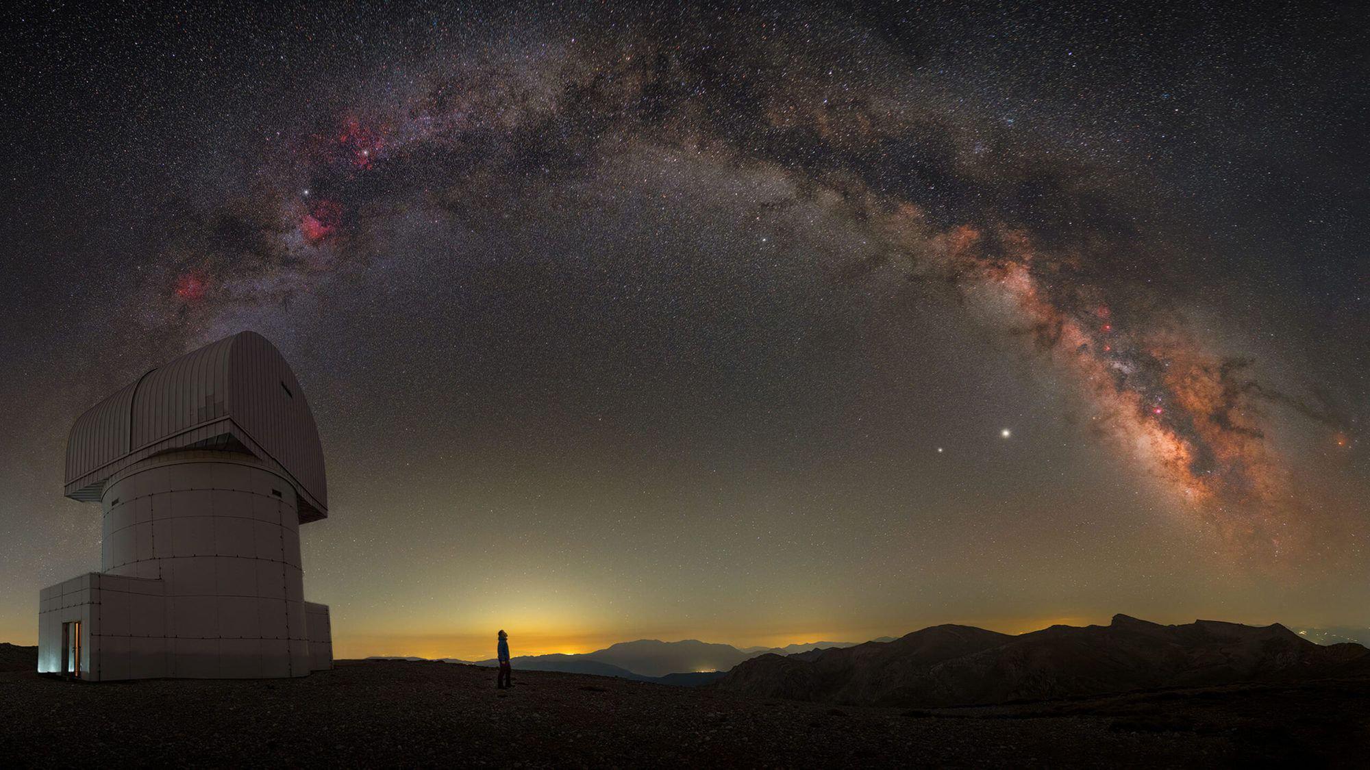צילום: CONSTANTINE THEMELIS - THE 2021 MILKY WAY PHOTOGRAPHER OF THE YEAR