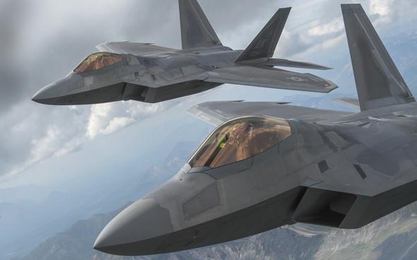 את יום הולדת 30 יחגגו כבר במוזיאון. מטוסי F22
