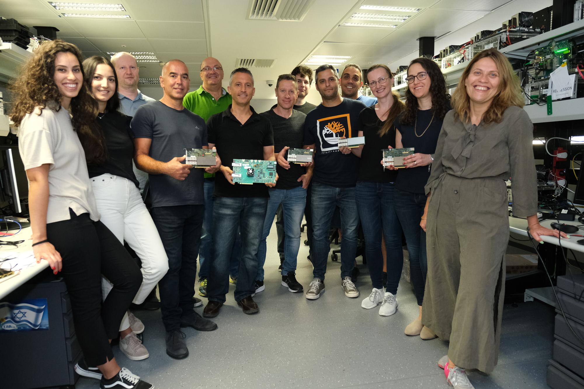 Intel employees Photo: Asaf Patoka