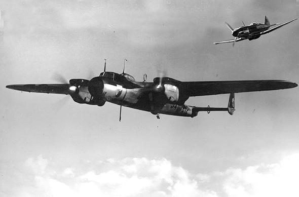 מיג 3 על זנבו של מטוס אויב, צילום: zvezda and topwar