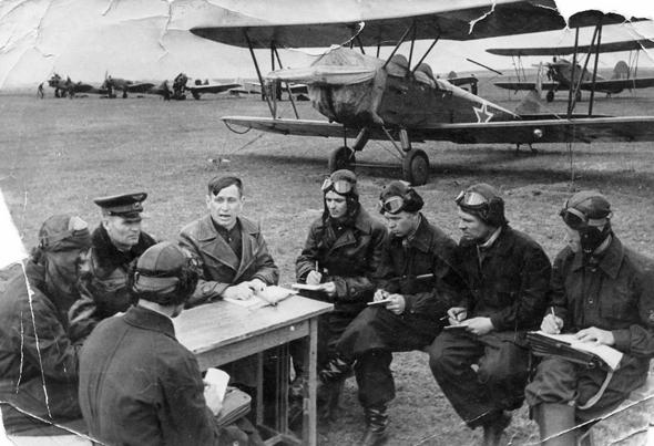 צוערים רוסים בקורס טיס, צילום: topwar
