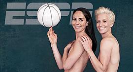 מייגן ראפינו סו בירד Megan Rapinoe Sue Bird, צילום: ESPN THE MAGAZINE / RADKA LEITMERITZ