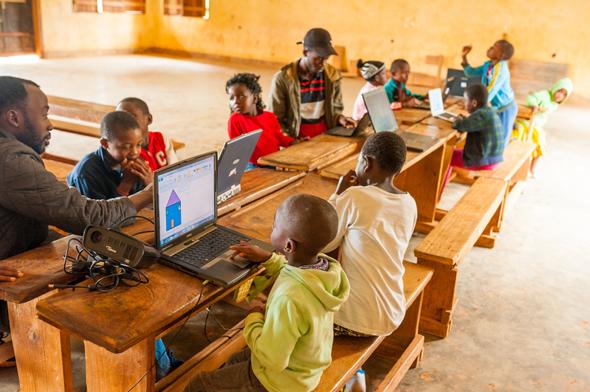 Gilat's wide-range connectivity helps schoolchildren connect to the internet in Cameroon. Photo: Shutterstock