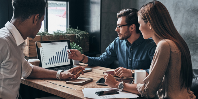 Companies can better incorporate ESG values by striving toward a more even male-to-female ratio in workplaces (illustration). Photo: Shutterstock