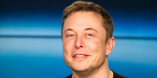 אלון מאסק SpaceX טסלה