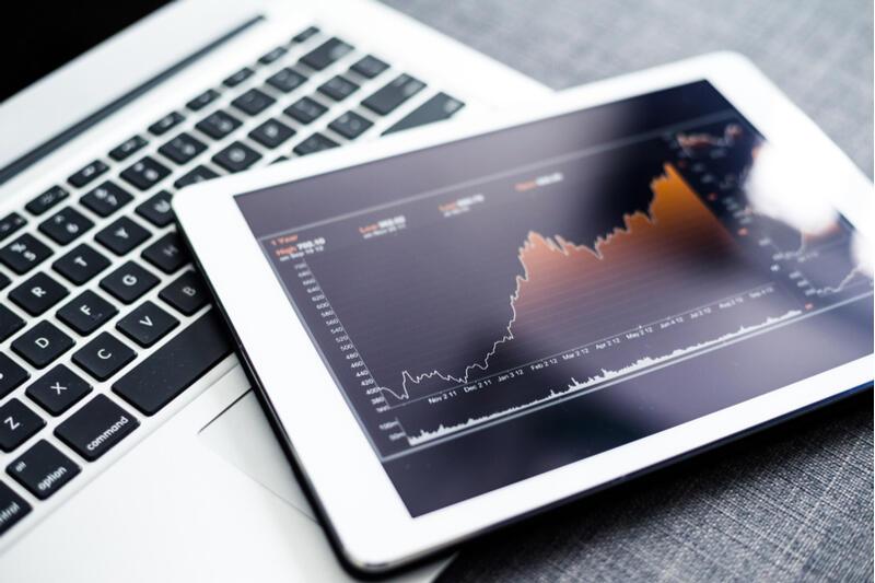השקעות מדדים מחשב נייד לפטופ 2