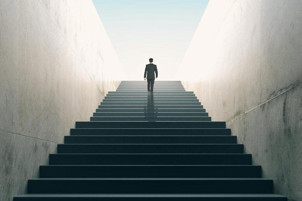הצלחה עלייה בדרגה התקדמות בעבודה