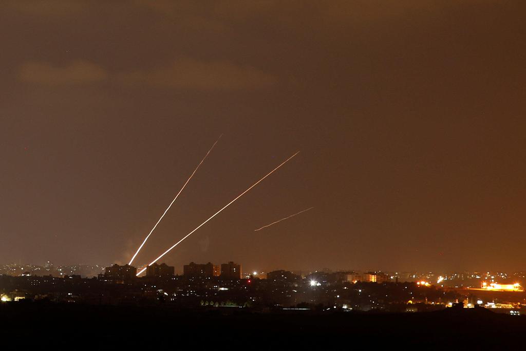 שיגור טילים טיל קאסם מ עזה לשטח ישראל