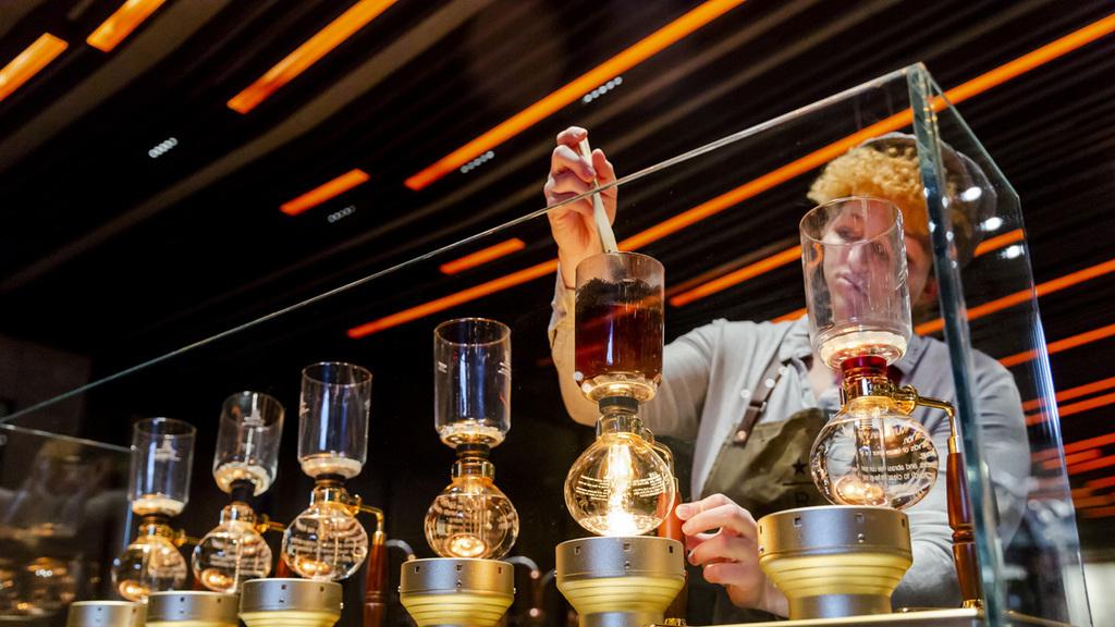 מוסף שבועי 3.1.19 וורלד קאפ סטארבקס מציגה קפה דיסנילנד